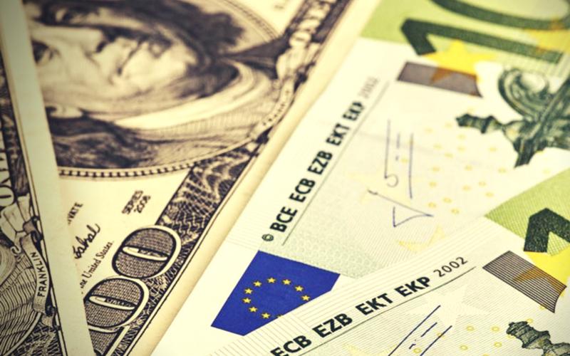 La Politique Monétaire Aux USA Et Dans La Zone EURO