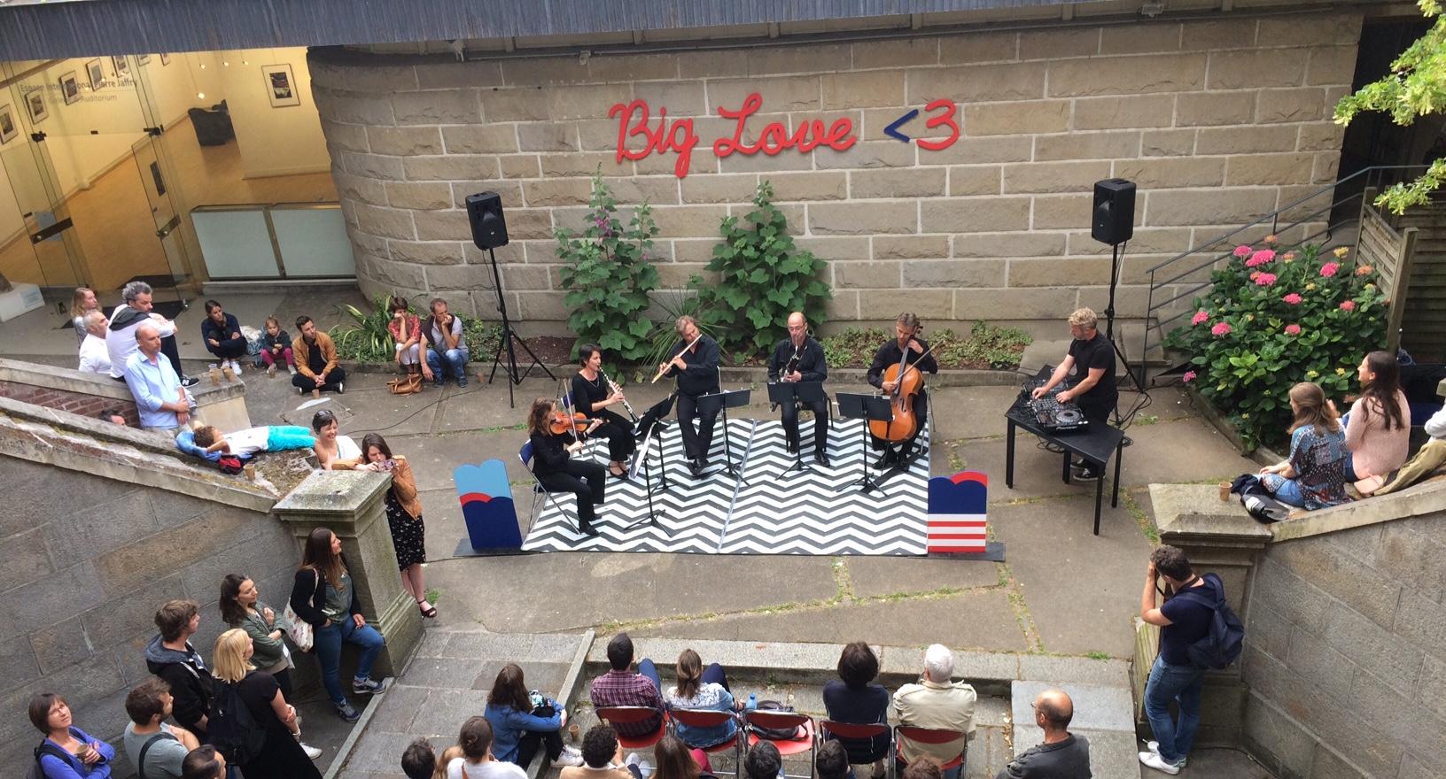 Biglove Festival Cour De L'Institut Musique Concert