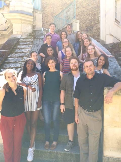 Photo De La Promotion 2018-2019 Des étudiants De L'Université De Rochester En Séjour Linguistique à Rennes Auprès De L'Institut Franco-américain.